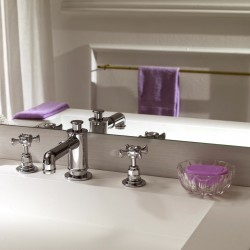 3 holes wash basin set with pop-up waste Victoria 25001