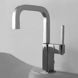 Soqquadro rubinetto miscelatore monocomando per lavello
