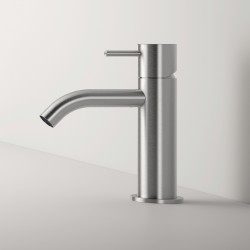 Z316 Single lever washbasin mixer without plug