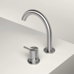 Z316 single lever washbasin mixer with revolving spout
