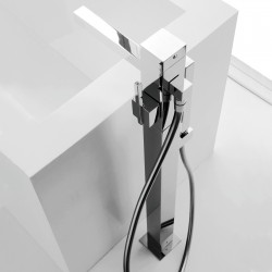 Soqquadro column-mounted bathtube mixer with hand shower